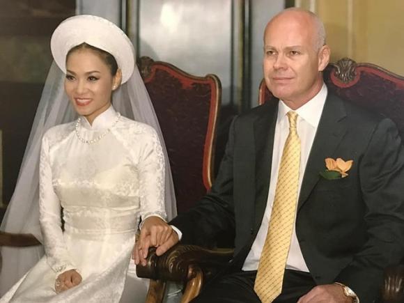 Anh cuoi hiem cua nghe si Hoai Linh, Thu Minh va cac sao Viet hinh anh 1