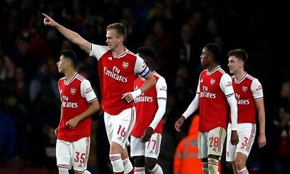 Holding trở lại và ghi bàn giúp Arsenal thắng 5 sao