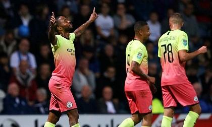 Sterling tỏa sáng, ĐKVĐ Man City phô trương sức mạnh trên sân khách