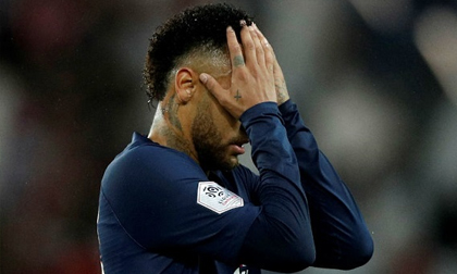 Neymar bất lực, PSG thua trắng 2 bàn trên sân nhà