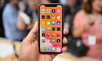 iPhone 11 'đối đầu' Galaxy S10: Ai mới là 'con quái vật' thực sự?