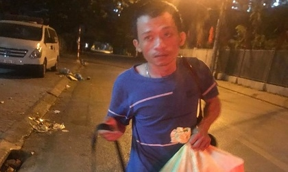 Anh trai nam sinh 18 tuổi chạy Grab bị sát hại, cướp xe máy ở bãi đất trống: 'Gia đình tôi mong hai đối tượng phải chịu án tử hình'