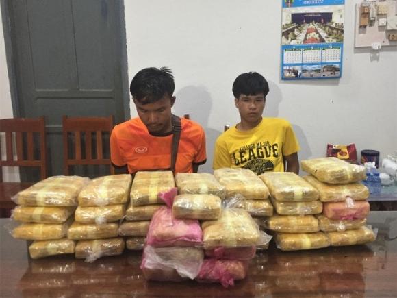 Chặt đứt đường dây vận chuyển 200.000 viên ma túy vào Việt Nam - Ảnh 1.