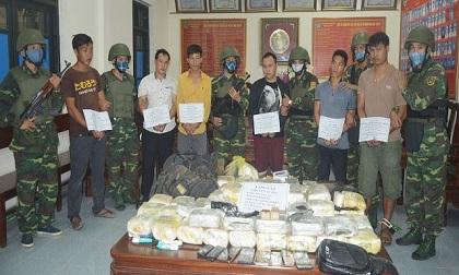 Mang súng 'áp tải' số lượng ma túy 'khủng' từ Lào về Việt Nam