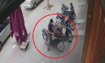 Bị trộm xe máy ở Đà Nẵng do quên rút chìa khoá