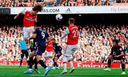 Pepe kiến tạo cho Luiz ghi bàn, Arsenal thắng nhọc tại Emirates
