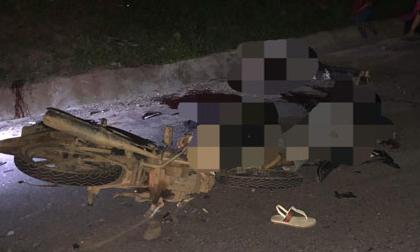 Xe máy đối đầu kinh hoàng khiến 4 thiếu niên tử vong