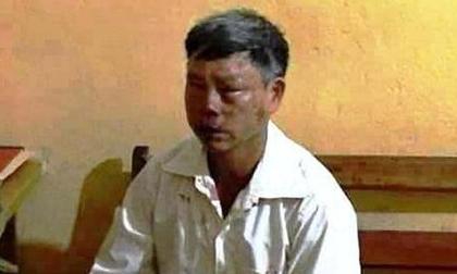Người đàn ông đàn bán áo mưa bị đánh, nghi ngờ bắt cóc trẻ em