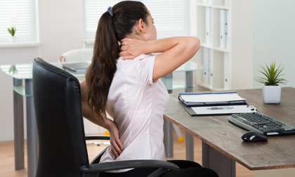 8 thói quen thường xuyên gặp ở nhiều người đang âm thầm làm hại sức khỏe