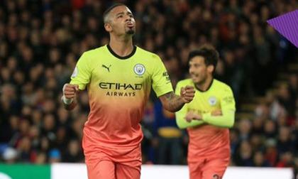 Man City rút ngắn khoảng cách với Liverpool xuống còn 5 điểm