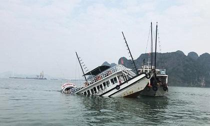 Va chạm sà lan chở đá, tàu du lịch chìm trên vịnh Hạ Long