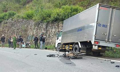 Lâm Đồng: Xe máy phóng tốc độ cao đối đầu ô tô, 2 học sinh tử vong