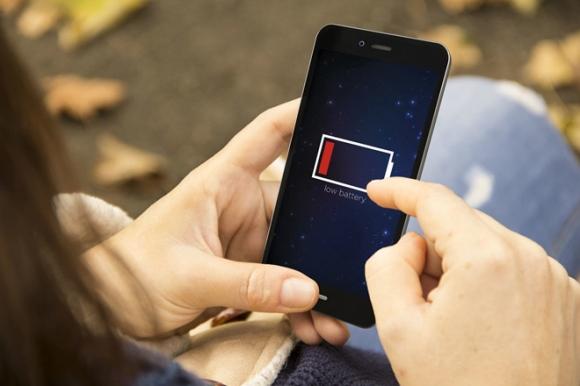 9 mẹo sạc smartphone nhanh nhất có thể khi khẩn cấp - 2
