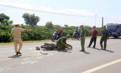 Người đàn ông tử vong nghi do bị ô tô tông trong đêm rồi bỏ chạy