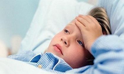 Bé sốt lâu ngày không rõ nguyên nhân: Dấu hiệu ung thư trẻ em