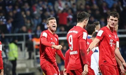Bayern Munich vất vả hạ 10 cầu thủ Bochum ở cúp Quốc gia