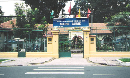 Mâu thuẫn trên mạng xã hội, học sinh trường Marie Curie chém nhau đến mức nhập viện cấp cứu