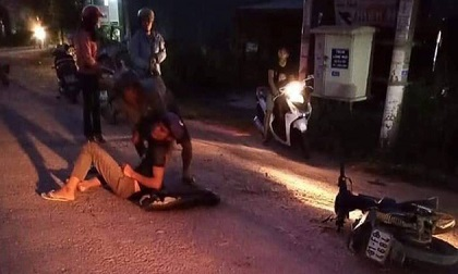 Gia Lai: Xe máy đối đầu, một người tử vong