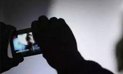 Thiếu nữ 19 tuổi tống tiền 'bạn tình' 70 tuổi bằng clip nóng