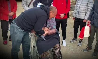 Giọt nước mắt của HLV Park Hang Seo ngày đoàn tụ với mẹ ở quê nhà