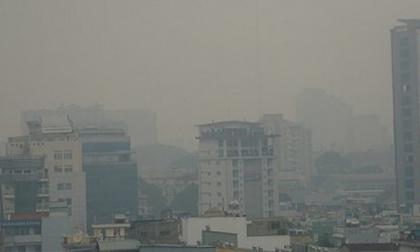 Sương mù và ô nhiễm không khí khiến nhiều người Hà Nội nhập viện