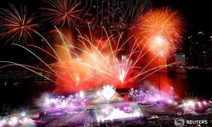 Hình ảnh thế giới ngập tràn màu sắc chào đón Năm mới 2020