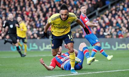 Arsenal đứt mạch thắng trong ngày Aubameyang nhận thẻ đỏ