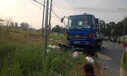 Xe tải va chạm với nhóm học sinh tan trường, hai nữ sinh thương vong