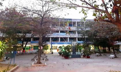 Người phụ nữ lạ lẻn vào trường học rồi nhảy lầu tự tử khiến học sinh hoảng sợ bỏ chạy