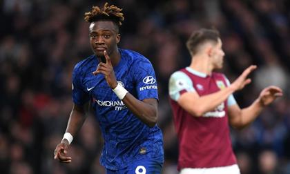 Thắng Burnley 3-0, Chelsea giữ vững vị trí trong top 4