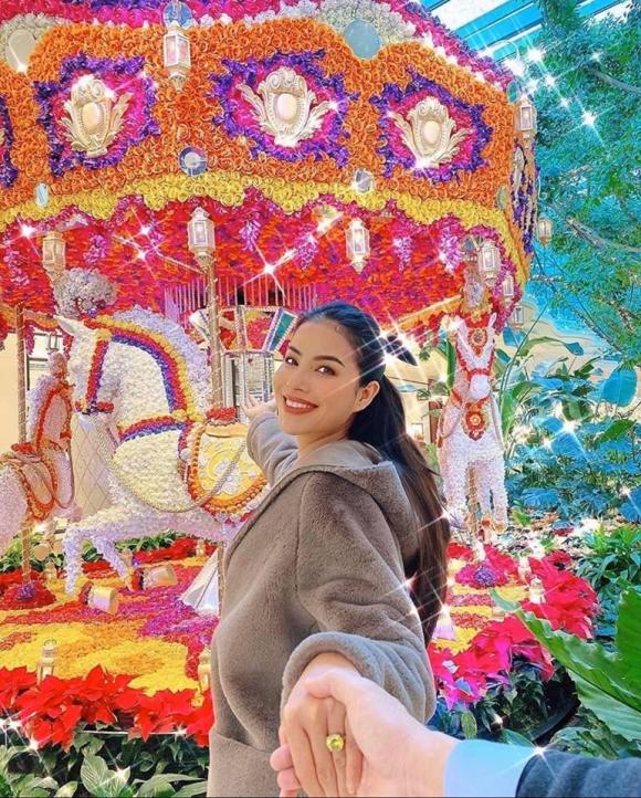 Chiếc áo đó và khu vui chơi đó khẳng định những tin đồn về mối quan hệ gần đây của hoa hậu quốc dân và đại gia Phước Trần