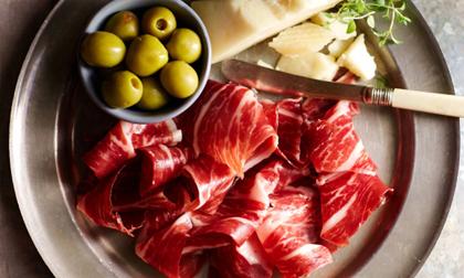 Món ăn đại gia: Có gì bên trong món thịt lợn đắt nhất hành tinh?