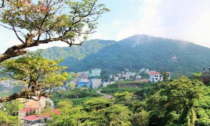 Du lịch dịp Tết quanh Hà Nội, đi đâu là hợp với tiêu chí vui - đẹp - phí hạt hạt dẻ?