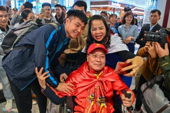 U23 Viet Nam duoc nguoi ham mo chao don sau that bai hinh anh 1 1_zing.jpg