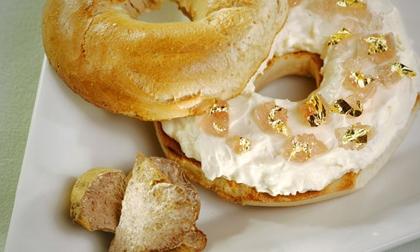 Món ăn đại gia: Bánh mì dát vàng chỉ dành cho giới quý tộc