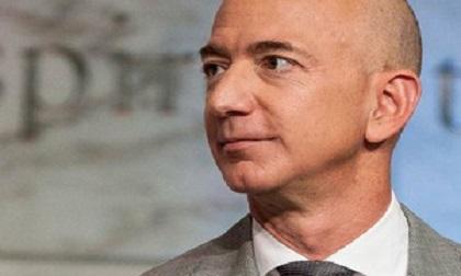 Tài sản bị thổi bay 17 nghìn tỷ trong 1 ngày, Jeff Bezos nhường lại ngôi vị giàu nhất thế giới cho đại gia người Pháp
