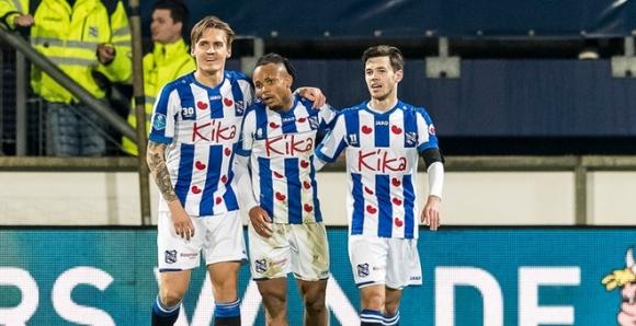 Van Hau du bi, Heerenveen vao tu ket Cup Quoc gia Ha Lan hinh anh 1 Van_Hau_Heerenveen.jpg