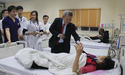 Trắng đêm giao thừa cứu bệnh nhân tai nạn giao thông