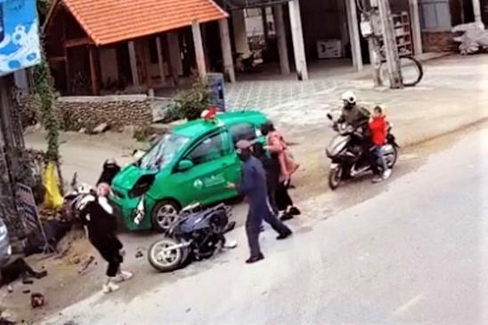 Lao taxi vao 11 nguoi di chuc Tet do buon ngu hinh anh 1 z1714677386877_e06a9a25f97e943074abef61e2442a62.jpg