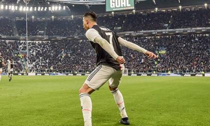 Ronaldo lập kỷ lục bằng 2 cú đá penalty thành công
