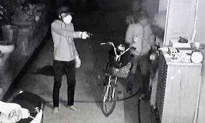 Thiếu tiền tiêu, nam thanh niên mua súng đồ chơi đi cướp