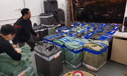 Thu hơn 100.000 chiếc khẩu trang chuẩn bị tuồn sang biên giới