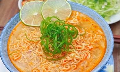 Sai lầm khi ăn mì tôm gây hại cho sức khỏe, 90% người Việt vẫn làm mỗi ngày