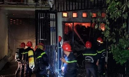 Cháy lớn ở Bình Tân, 6 tấn vải vụn thành tro tàn