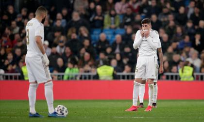 Real Madrid đứt 21 trận bất bại, chia tay tham vọng ăn 3
