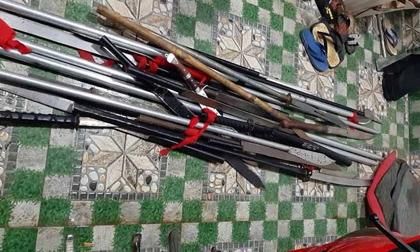 Ngăn chặn nhóm thanh niên thủ sẵn nhiều vũ khí chuẩn bị hỗn chiến