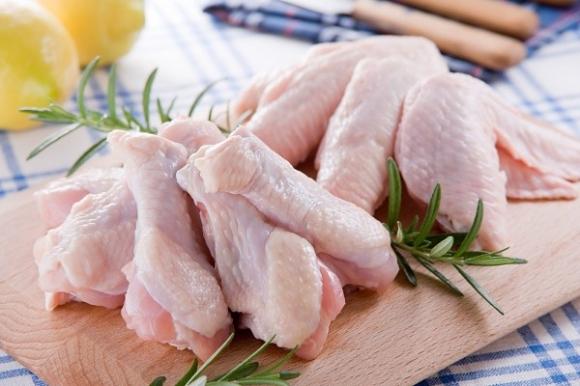 Thịt gà giúp bé tăng cân tốt
