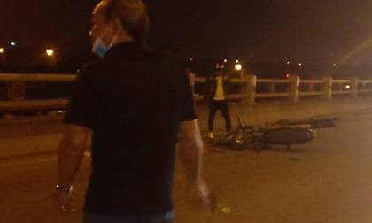 Người phụ nữ dắt con xin tiền ở cầu Thanh Trì bị xe máy tông chết