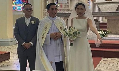 Vào đúng hôn lễ, Tóc Tiên đã chính thức nói về lý do tổ chức đám cưới bí mật với Hoàng Touliver