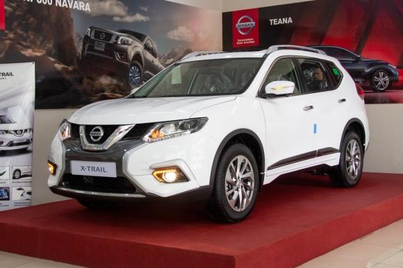Loat xe Mazda, Nissan ha gia 100 trieu dong o Viet Nam hinh anh 3 Nissan_X_Trail.jpg